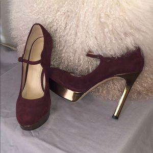 Burgundy and gold pumps!